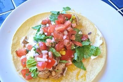 chicken on taco with pico de gallo